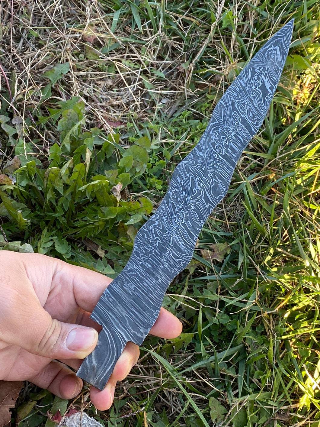 Custom Hand Forged Damascus Steal Full Tang Blank Blade AJ-0088