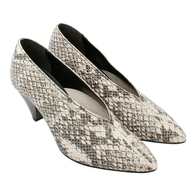 Python-effect Leather Pumps (White)