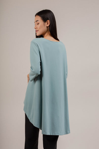 V Neck Mid Sleeve Top in Water