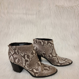 Primary Photo - BRAND: MASSINI STYLE: BOOTS ANKLE COLOR: SNAKESKIN PRINT SIZE: 10 SKU: 245-24511-13175