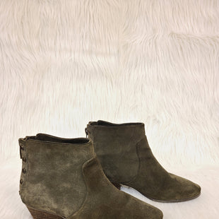 Primary Photo - BRAND: VINCE CAMUTO STYLE: BOOTS ANKLE COLOR: OLIVE SIZE: 9.5 OTHER INFO: NO RETURNS SKU: 245-245189-15202