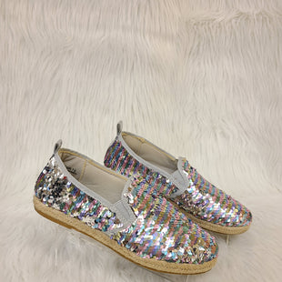 Primary Photo - BRAND: BAMBOO STYLE: SHOES FLATS COLOR: SILVER SIZE: 7.5 OTHER INFO: BLUE PINK GREEN- NO RETURNS SKU: 245-245199-3846