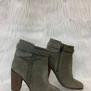 Primary Photo - BRAND: VINCE CAMUTO STYLE: BOOTS ANKLE COLOR: OLIVE SIZE: 6.5 OTHER INFO: NO RETURNS SKU: 245-24518-76033
