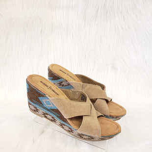 Primary Photo - BRAND: MINNETONKA STYLE: SANDALS LOW COLOR: TAN SIZE: 8 OTHER INFO: NO RETURNS SKU: 245-24513-75909