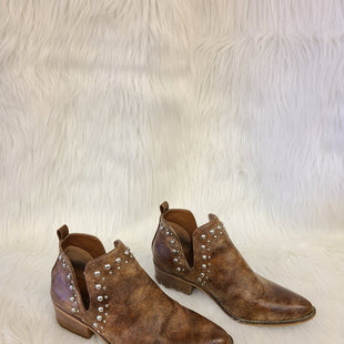 Primary Photo - BRAND: MADDEN GIRL STYLE: BOOTS ANKLE COLOR: BROWN SIZE: 7.5 OTHER INFO: NO RETURNS SKU: 245-245189-14887