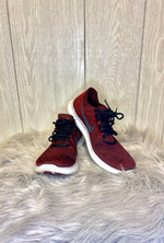 Primary Photo - BRAND: NIKE <BR>STYLE: SHOES ATHLETIC <BR>COLOR: MAROON <BR>SIZE: 6.5 <BR>SKU: 245-24511-17055