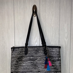 Primary Photo - BRAND: THE SAK STYLE: TOTE COLOR: BLACK WHITE SIZE: MEDIUM OTHER INFO: NO RETURNS SKU: 245-24518-73477