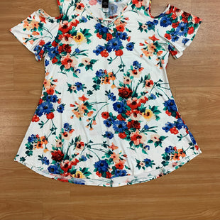 Primary Photo - BRAND:    CLOTHES MENTOR STYLE: TUNIC SHORT SLEEVE COLOR: WHITE BLUE SIZE: 2X OTHER INFO: COZY COLLECTION W/ RED GREEN YELLOW FLORAL SKU: 245-24518-77650