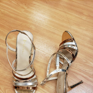 Primary Photo - BRAND: NICOLE BY NICOLE MILLER STYLE: SANDALS LOW COLOR: GOLD SILVER SIZE: 10 OTHER INFO: NO RETURNS SKU: 245-24513-79469