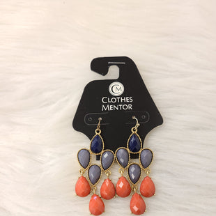 Primary Photo - BRAND:    CLOTHES MENTOR STYLE: EARRINGS COLOR: GOLD OTHER INFO: NAVY GREY ORANGE SKU: 245-24513-83363