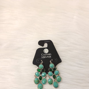 Primary Photo - BRAND:    CLOTHES MENTOR STYLE: EARRINGS COLOR: SILVER OTHER INFO: NO RETURNS - GREEN SKU: 245-245189-16053