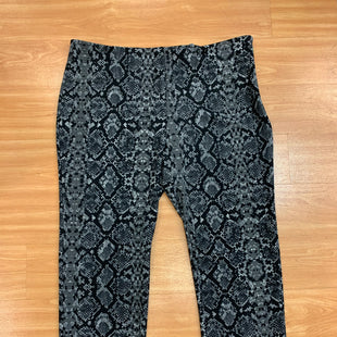 Primary Photo - BRAND: LEITH STYLE: PANTS COLOR: SNAKESKIN PRINT SIZE: 26 OTHER INFO: BLACK GREY SKU: 245-24513-80892