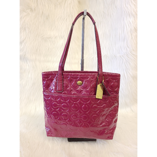 Primary Photo - BRAND: COACH STYLE: HANDBAG DESIGNER COLOR: RASPBERRY SIZE: MEDIUM OTHER INFO: F26901  NO RETURNS SKU: 245-24518-79156