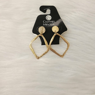 Primary Photo - BRAND:    CLOTHES MENTOR STYLE: EARRINGS COLOR: GOLD OTHER INFO: NO RETURNS SKU: 245-24518-79257