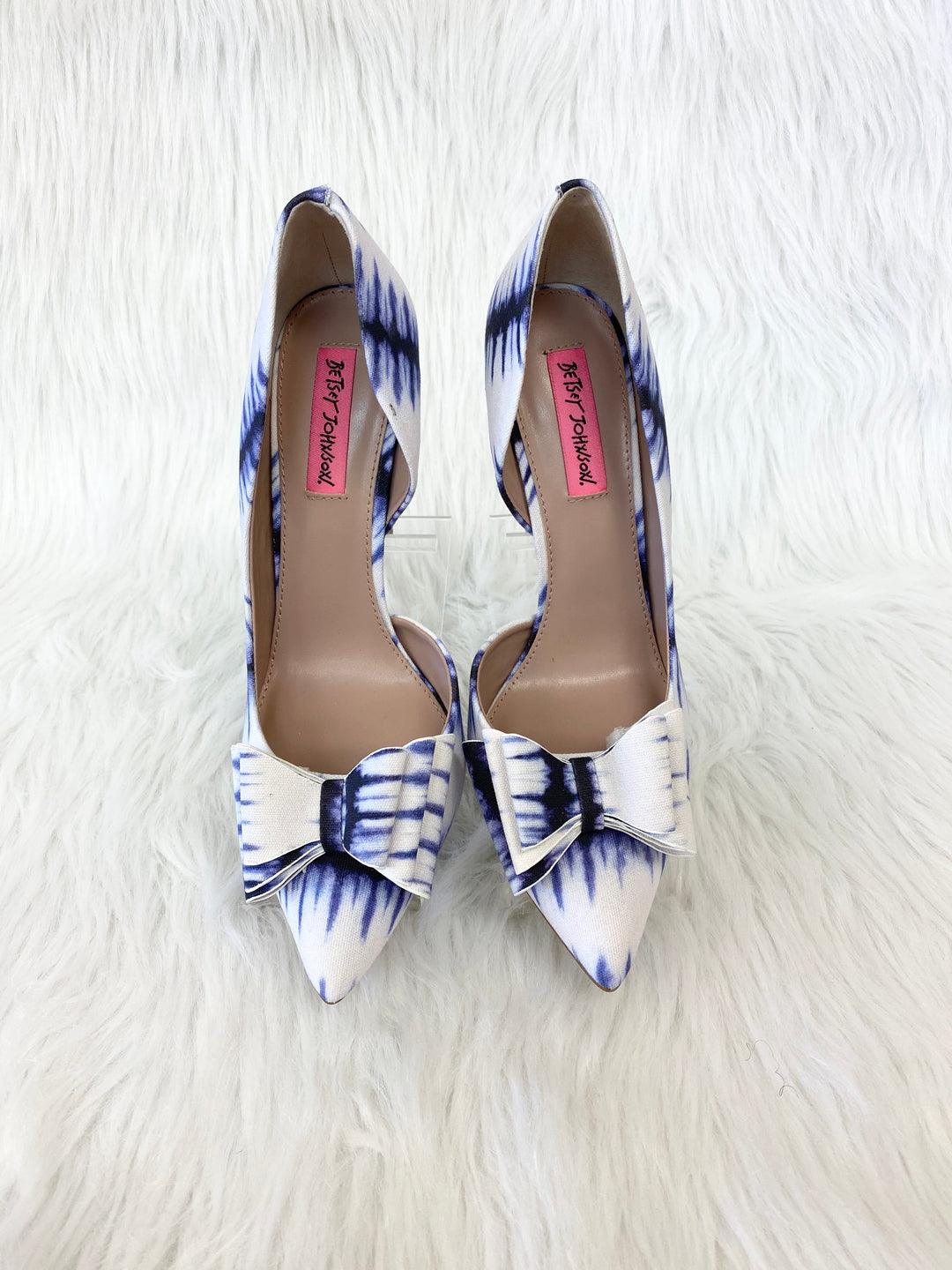 Photo #1 - BRAND: BETSEY JOHNSON <BR>STYLE: SHOES HIGH HEEL <BR>COLOR: BLUE WHITE <BR>SIZE: 9 <BR>OTHER INFO: NO RETURNS <BR>SKU: 245-245199-2572