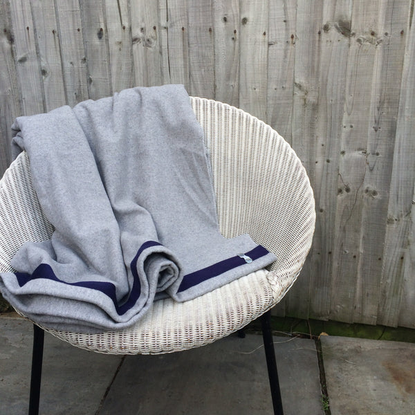 Wool Blanket (light grey/navy)
