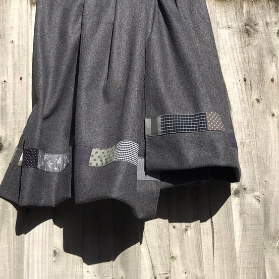 Wool Blanket w Patchwork (dark grey)