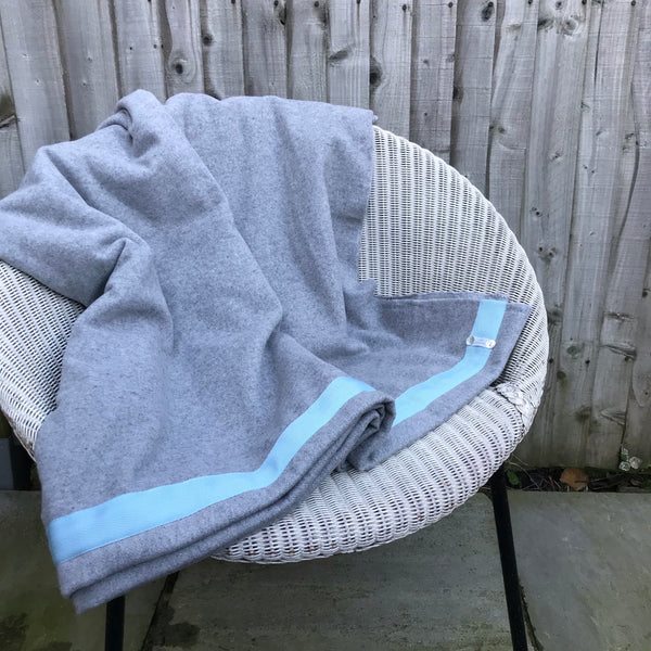 Wool Blanket (light grey/pale blue)