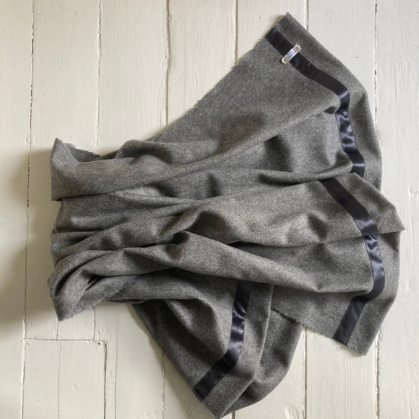 Half size Wool Blanket (med grey)