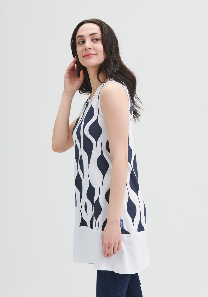 tunic white and blue sleeve less