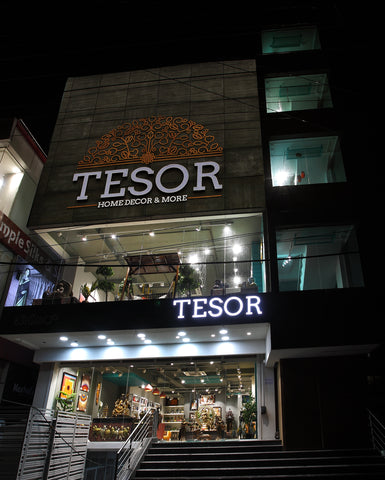 The Tesor store at HSR Layout, 27th Main, Bangalore. A wide range of home decor products, from furnishing to mantaps & brass artefacts to paintings, spread across multiple floors.