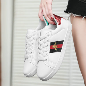 2020 Spring White PU Leather Women Sneakers Fashion Embroidered Bee Flat Womens Platform Sneakers Casual Shoes Zapatos De Mujer