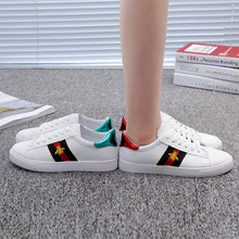 Load image into Gallery viewer, 2020 Spring White PU Leather Women Sneakers Fashion Embroidered Bee Flat Womens Platform Sneakers Casual Shoes Zapatos De Mujer