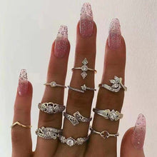 Load image into Gallery viewer, Vintage gold stars moon ring set women's BOHO charm ring women's ring party fashion ring set