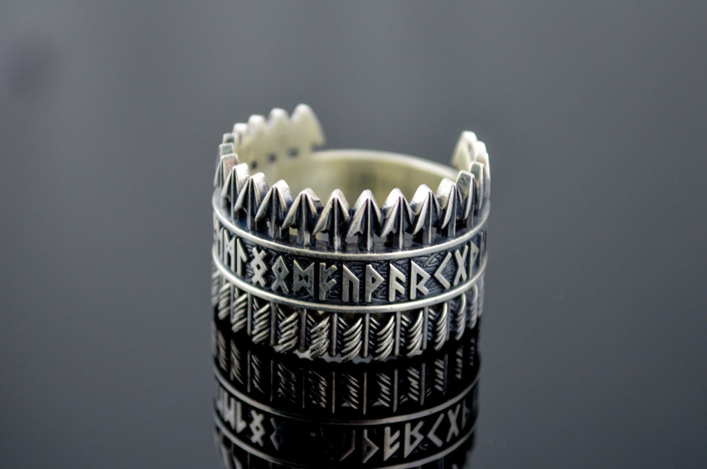 Arrows Ring with Elder Futhark Runes - Viking-Handmade