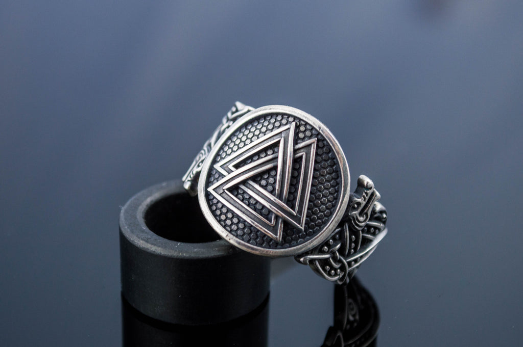 Valknut Symbol with Viking Ornament - Viking-Handmade