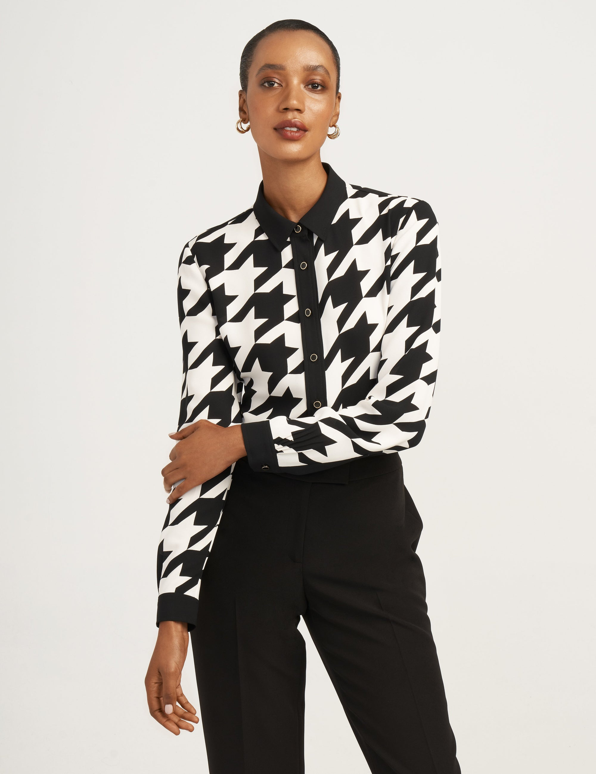 Anne Klein Large Houndstooth Button Down Plus in Anne Black and Rocky Shore
