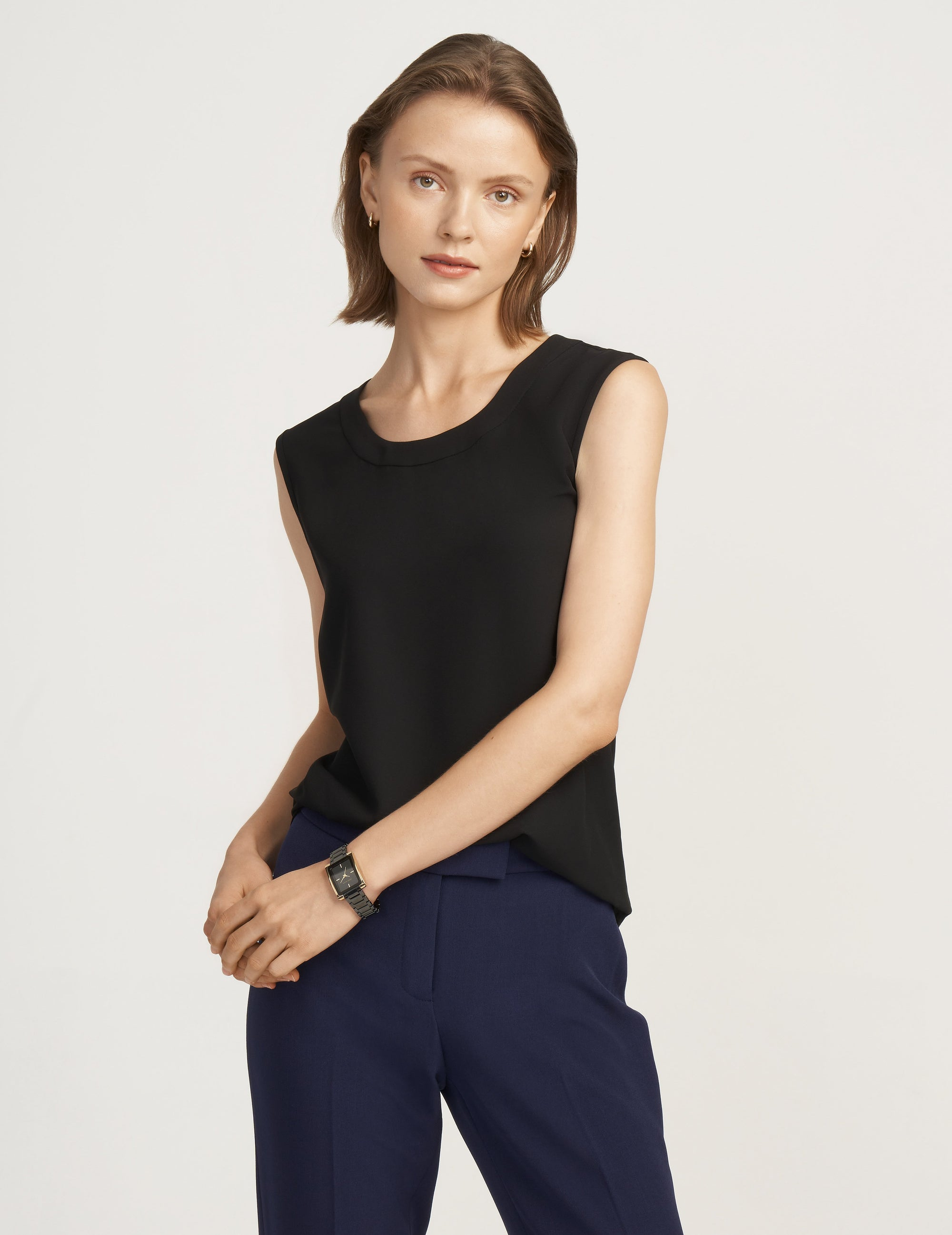 Anne Klein Black U-Neck Sleeveless Blouse