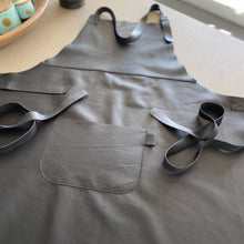 Laad afbeelding in Galerij-viewer, BLCK /CDR. Leather Apron
