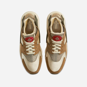 Nike x Stussy Air Huarache LE - Desert Oak / Reed / Light Straw