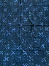 "Load image into Gallery viewer, Vtg Mali Indigo Mud Cloth Textile 38"" by 54"""