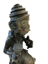 "Load image into Gallery viewer, Benin Bronze Oba King Soldier Musician Nigeria African 9"" H by 5.25"""
