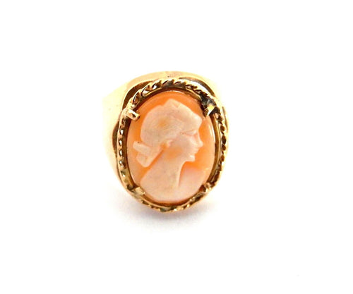 SUPERB 18K GOLD CAMEO SHELL RING OF A YOUNG LADY