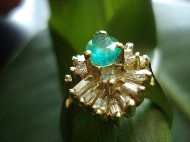SUPERD OLD18KT GOLD WITH EMERALD AND DIAMOND  Y MUST SEE ...