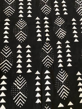 Load image into Gallery viewer, Malian Black & White Mud Cloth Textile