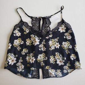 Gently Used Women's Forever 21 Top Size Small
