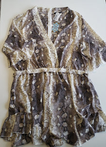 Previously Owned with Tags Women's Boohoo Romper Size 18
