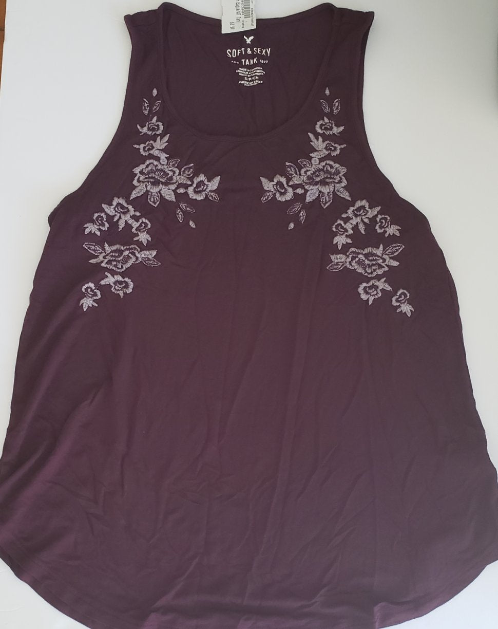 Gently Used Women's American Eagle Top Size Small