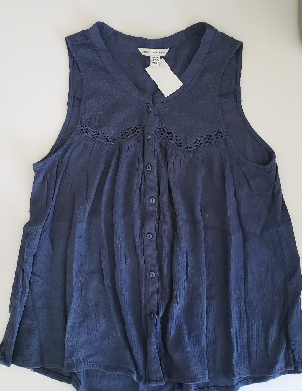 Gently Used Women's American Eagle Top Size XS