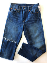 Load image into Gallery viewer, Gently Used Women's Levi's Denim Size 25