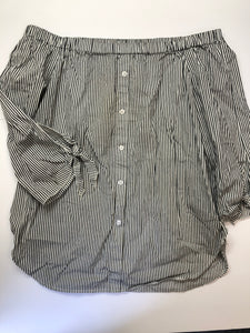 Gently Used Women's Suzy Shier Top Size L