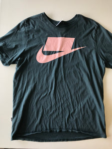 Gently Used Guys Nike Top Size XL