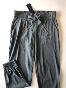 Previously Owned With Tags Women's Dynamite Pants Size M