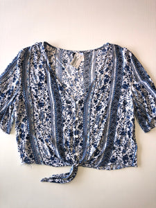 Gently Used Women's Divided Top Size 10