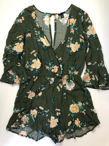 Gently Used Women's UK2LA Romper Size L