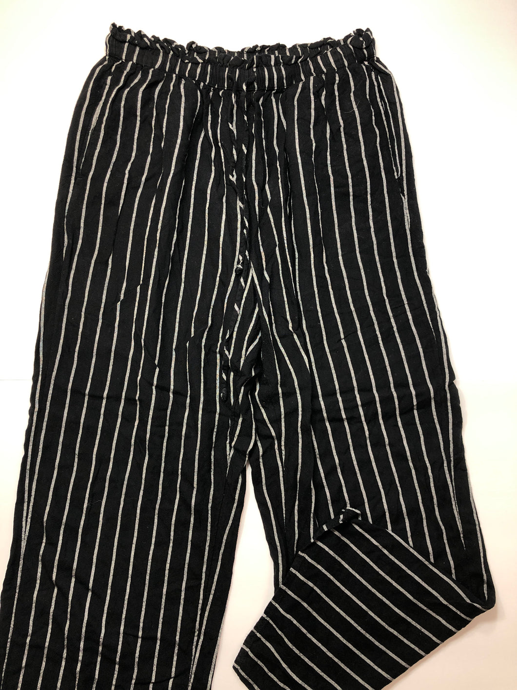 Gently Used Women's American Eagle Pants Size L